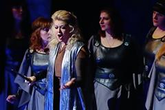 Attila G. Verdi con  video